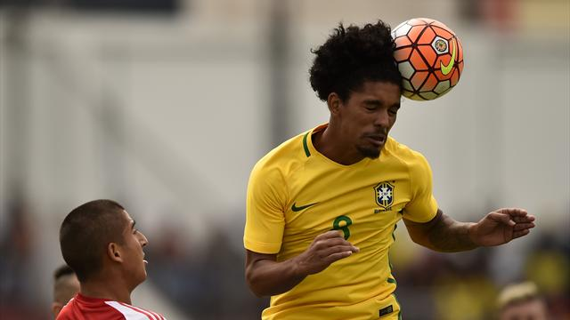 Douglas Luiz Completes Transfer to Manchester City on 5-Year Contract