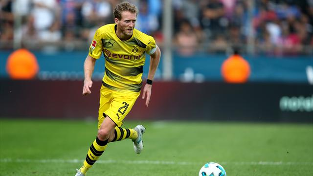 Dortmund's Schurrle out for four weeks with muscle injury