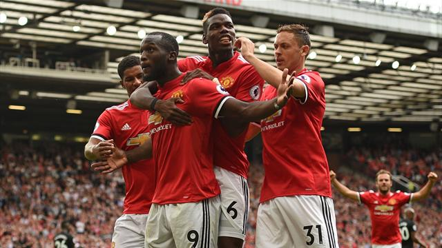 Lukaku strikes twice as United crush West Ham