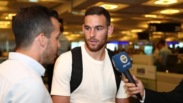 Tottenham striker Vincent Janssen joins Fenerbahce on season loan