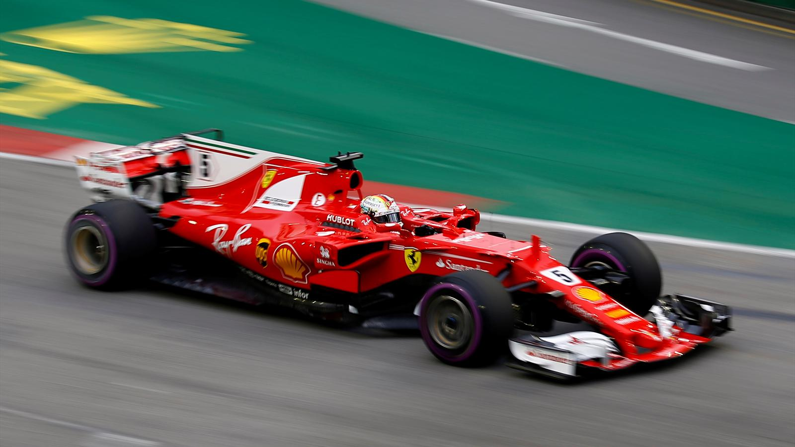 Singapore Grand Prix qualifying: Vettel on pole for night ...