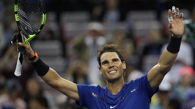 Nadal and Federer ease through in Shanghai