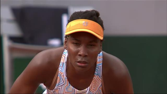 Bumble bee tries to distract Venus Williams... Fails